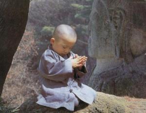 niño budista